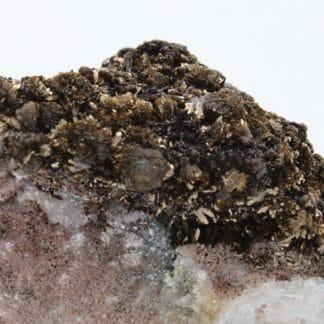 Goethite sur quartz, mine de Bou Azzer, Maroc.