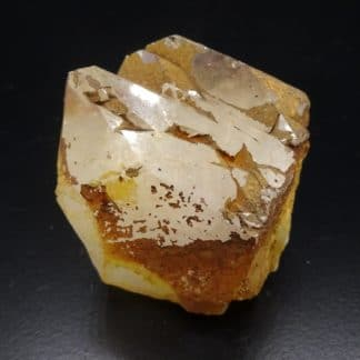 Quartz avec pyrite, Nil-Saint-Vincent, Brabant wallon, Belgique.