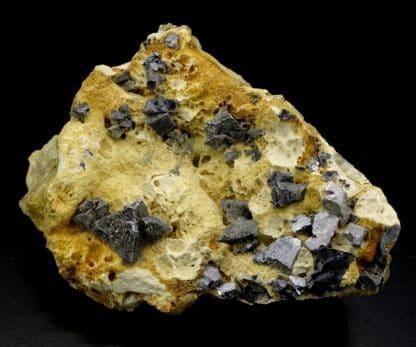 Galène sur baryte, mine de Vierves-sur-Viroin, région Wallone, Belgique.