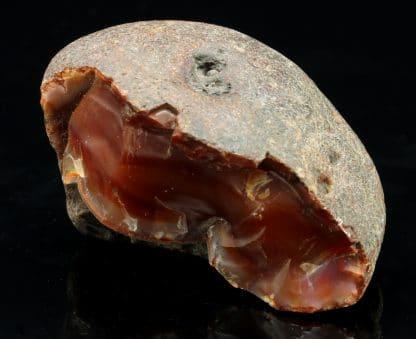 Rognon de cornaline brute provenant d'Inde.