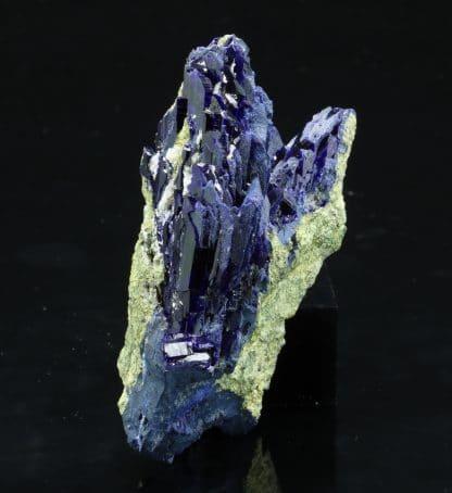 Azurite, district minier de Mibladen, Midelt, région du Drâa-Tafilalet, Maroc.