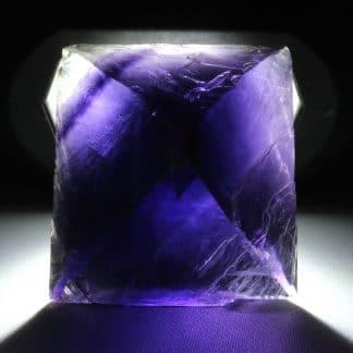 Fluorine violette à fantôme, carrière Boltry, Seilles, Belgique.