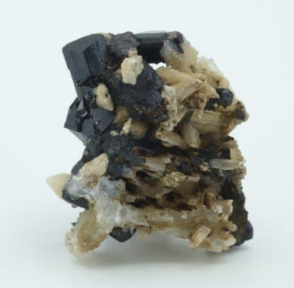 Ilvaite et quartz, Boron Quarry, Dalnegorsk, Russie.