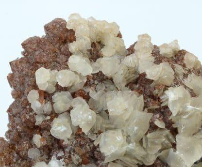 Calcite sur Quartz hématoïde, L'Argentolle, Saône-et-Loire, Morvan.