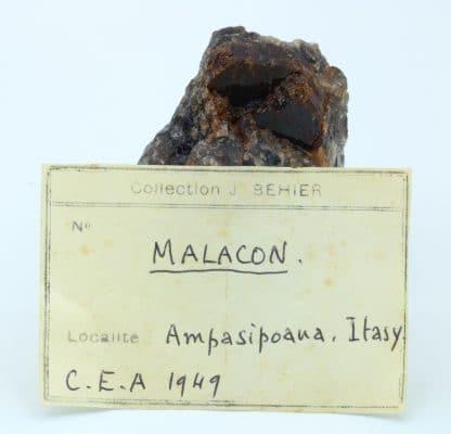 Zircon (Malacon), Ampasipoana, Itasy, Madagascar.