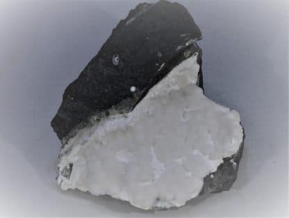 Natrolite, Tacharanite, Puech de Vermus, Espalion, Aveyron.