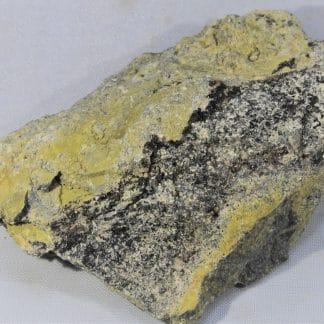 Pucherite et Schumacherite, Pucher shaft, Wolfgang Mine, Schneeberg, Allemagne.
