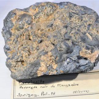 Pyrolusite, Savigny-Poil-Fol, Nièvre.