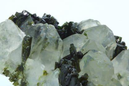 Épidote, quartz et albite, Ubaye, Alpes de Haute Provence.