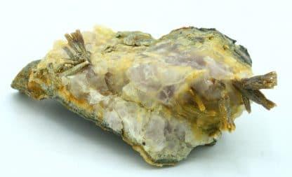 Pyromorphite sur fluorine, mine du Rossignol, Chaillac, Indre.