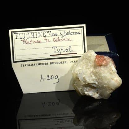 Fluorine rose et calcite, Tyrol, Autriche.
