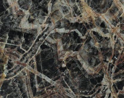 Améthyste noire polie, Chaméane, Forez, Puy-de-Dôme, Auvergne.