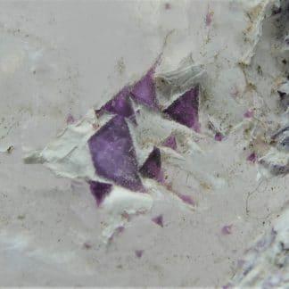 Kämmererite sur Calcite, Kop Krom mine, Aşkale, Erzurum, Turquie.