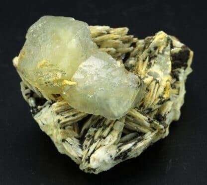Calcite sur barytine de la mine des Malines à Saint-LCalcite sur barytine de la mine des Malines à Saint-Laurent-le-Minieraurent-le-Minier