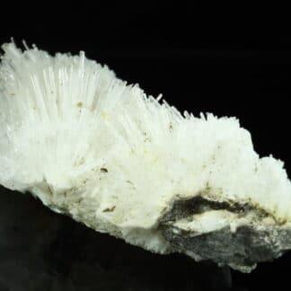 Natrolite, Puy de Marmant, Veyre-Monton, Puy-de-Dôme, Auvergne.