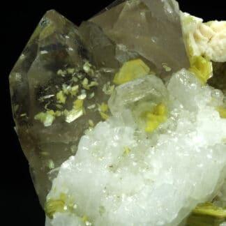 Cleavelandite, mica, quartz, Saint-Chély-d'Apcher, Lozère.