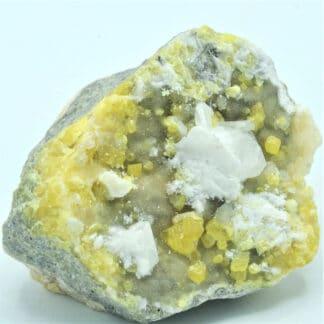 Célestite (célestine) sur Soufre, Mine de Machów, Pologne.