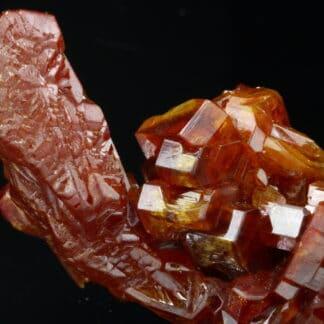 Vanadinite (cristal creux), Mibladen, province de Midelt , Maroc.
