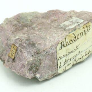 Rhodonite massive, Arreau, Hautes-Pyrénées, en région Occitanie.