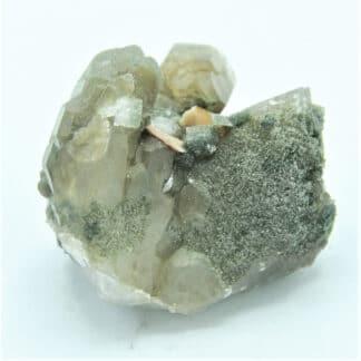 Sphène (Titanite) et Adulaire sur Quartz chloriteux, Massif de la Lauzière, Savoie.