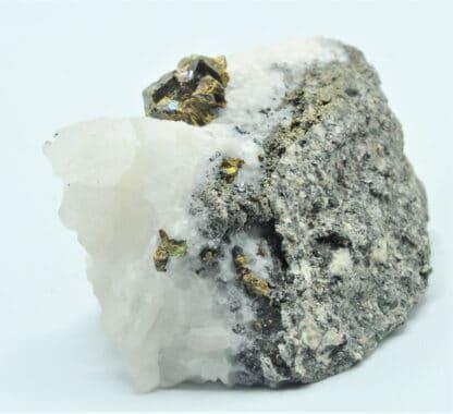 Chalcopyrite cristallisée, Carrière de Cuzac, Lot.
