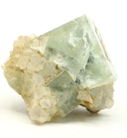 Fluorite bleue sur quartz de la mine du Burc, Tarn.