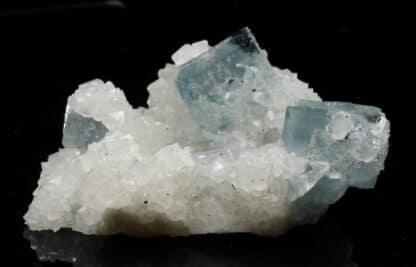 Cristaux de fluorine bleue de la mine du Burc (Burg - Tarn)