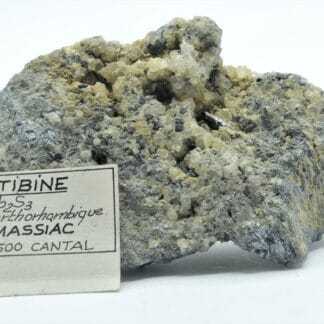 Stibine cristallisée, Massiac, Cantal.