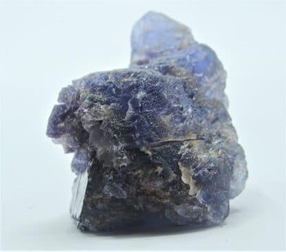 Fluorite (Fluorine) bleue à violette, carrière du Boltry, Seilles, Belgique.