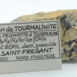 Pegmatite à Tourmaline, Saint-Frégant, Finistère, Bretagne.