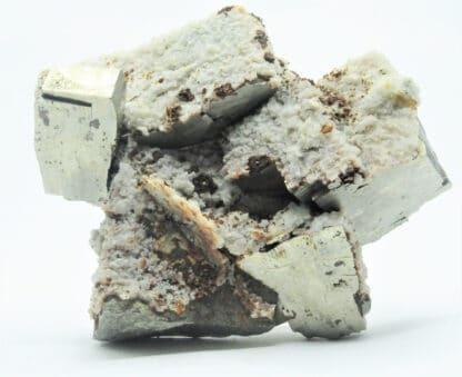 Cristaux de Pyrite en briquets et Calcite, Mine de La Niccioleta, Toscane, Italie.