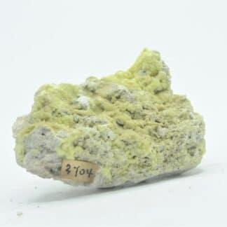 Soufre cristallisé dans du Tuf, Volcan La Solfatare, Pouzzoles, Naples, Italie.
