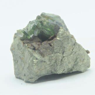 Ludlamite sur Pyrite, mine de Salsigne, Mas Cabardès, Aude.