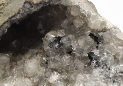 Géode de quartz améthysé, ex collection Museum Bally-Prior.