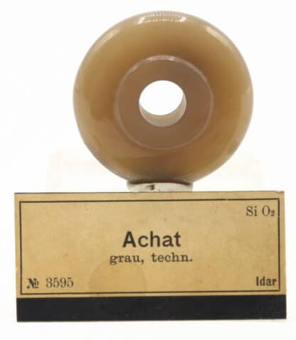 Donut en Agate polie, ex collection Museum Bally-Prior.