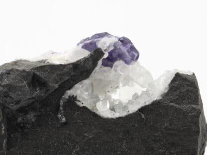 Fluorite sur Calcite, Glageon, Nord, Hauts-de-France.