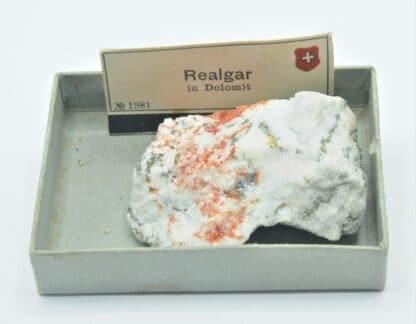Réalgar et Pyrite dans de la Dolomite, Binnenthal, Binn, Valais, Suisse.