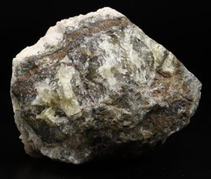 Baryte rose sur fluorite massive, mine de Chaillac, Indre.