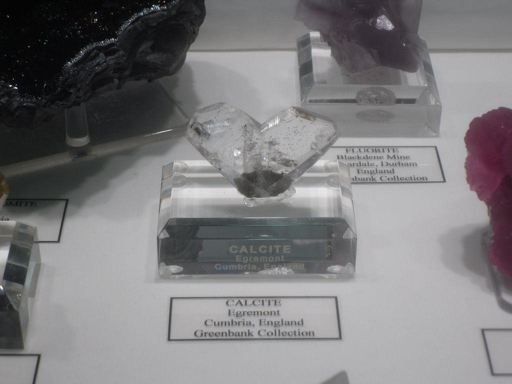 Calcite maclée, Egremont, England.