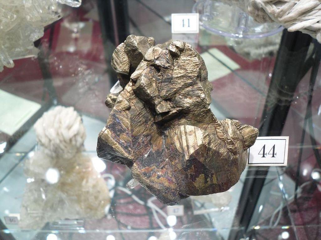 Chalcopyrite de La Gardette, Bourg d'Oisans, Isère.